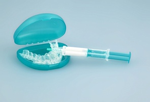 take-home teeth whitening kit